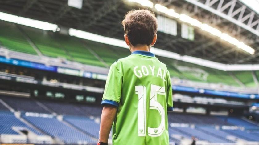 Niño de 8 años con leucemia juega de titular con Seattle(Twitter/ @soundersfc_es)