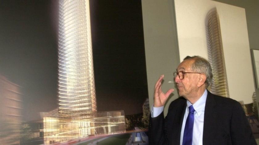 El arquitecto argentino César Pelli, diseñador de las Torres Petronas de Kuala Lumpur (Malasia) y del World Financial Center de Nueva York (EE.UU.), entre otras construcciones de renombre, murió este viernes a los 92 años, confirmó Juan Manzur, gobernador de Tucumán (norte), provincia natal del fallecido.(EFE)