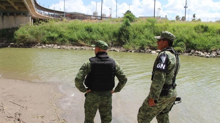 México vigila río Bravo para frenar a migrantes que cruzan a nado a Estados Unidos.(EFE, EFE)