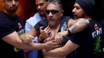 Carlos Trejo compartió en Twitter un video en el que supuestamente el público le muestra su apoyo para el enfrentamiento que tiene pactado con Alfredo Adame.