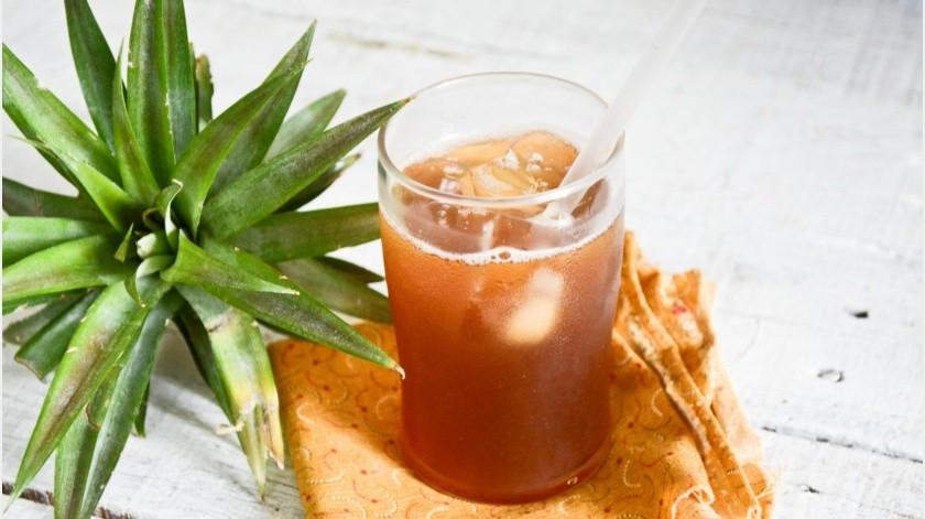 En México existen bebidas fermentadas de origen prehispánico que aportan diversos beneficios como el pulque o el aguamiel, pero otra de las bebidas más reconocidas es el tepache.(Tomada de la red)