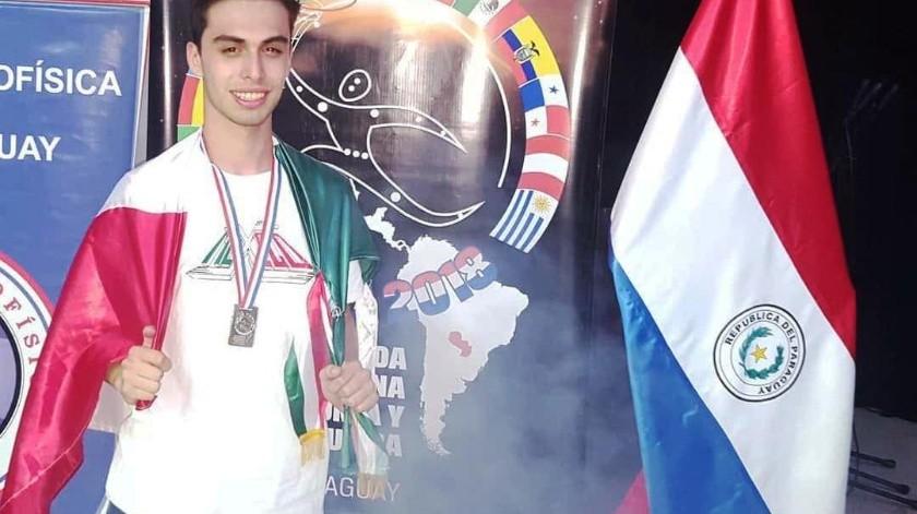 Óscar Angulo Flores necesita reunir 45 mil pesos para viajar a Hungría, país donde se llevará a cabo esta competencia.(Cortesía)