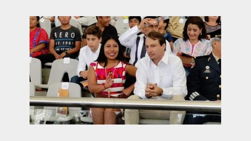 La actriz oaxaqueña Yalitza Aparicio finalmente asistió como invitada especial a la primera función de la Guelaguetza 2019.(El Universal)