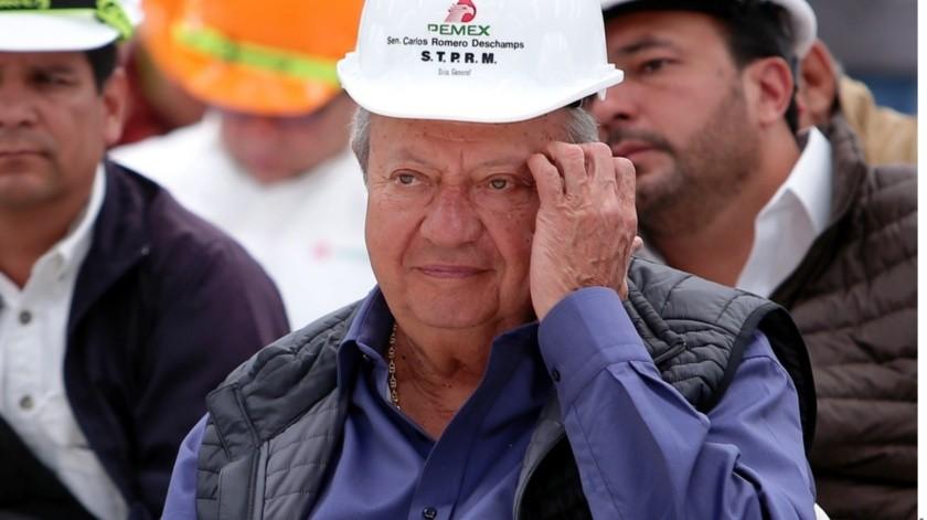 La Unidad de Inteligencia Financiera (UIF) presentó ante la Fiscalía General de la República (FGR) al menos dos denuncias contra el líder petrolero Carlos Romero Deschamps y seis de sus familiares.(Agencia Reforma)
