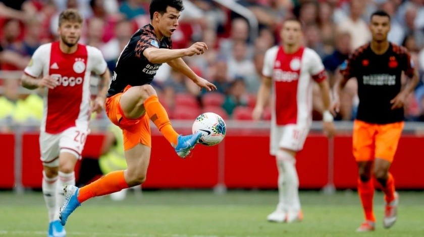 Sin jugar, Edson Álvarez se corona en Ajax; vence a Chucky(Twitter/ @PSV)