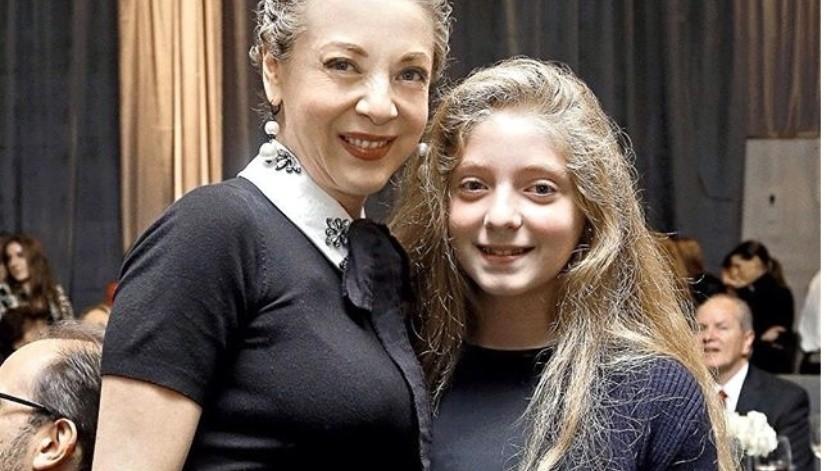 La adolescente Constanza Creel (der.), que este 17 de agosto cumple 15 años, planea celebrar sólo con su familia cercana.(Agencia Reforma)