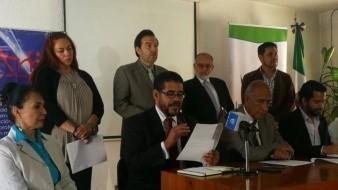 Gobierno debe impedir distribución de libros del CNTE: Padres