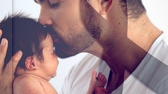 El actor publicó una fotografía junto con el bebé en su Instagram, donde anunció la triste noticia.