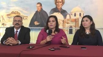 Jazmín Gómez Lizárraga (derecha) renunció al cargo de secretaria del Ayuntamiento de la administración de Sara Valle.