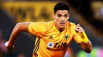 Raúl Jiménez anota driblando; acerca a Wolves a Europa League
