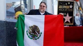 Guillermo del Toro dedicó a los jóvenes mexicanos su estrella en el Paseo de la Fama de Hollywood, que fue develada la tarde de este martes.
