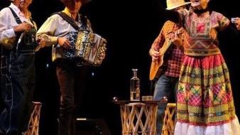 Acompañada de un gran elenco, le regalará al público de la Baja un musical rodeado de humor, de canciones, y de color.