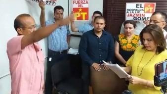 Nuevo regidor en Guaymas tiene a su familia en el Ayuntamiento
