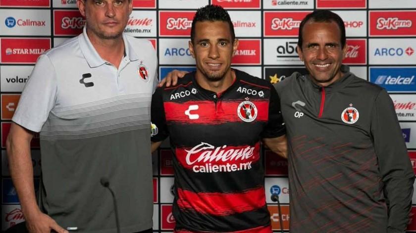 Apenas se disponía a salir del estadio tras marcar por tercer partido consecutivo y Camilo Sanvezzo ya reconocía en lo que debe de mejorar Xolos: la posesión.(Cortesía)