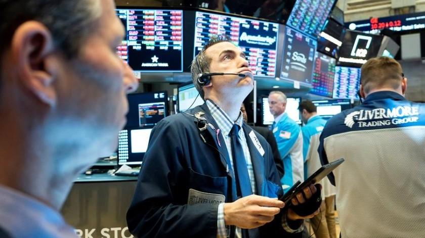 El Dow Jones restó 391 puntos y se dejó la barrera psicológica de los 26 mil, acabando en 25.896,44 enteros.(EFE)