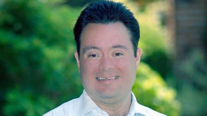 Dan Doctorado Honoris Causa a escritor mexicano con Síndrome Down(Facebook/ Carlos Enrique De Saro Puebla)
