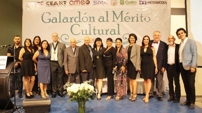 Personalidades del gremio artístico de la ciudad se dieron cita en la Centro Estatal de las Artes Tijuana(Cortesía)