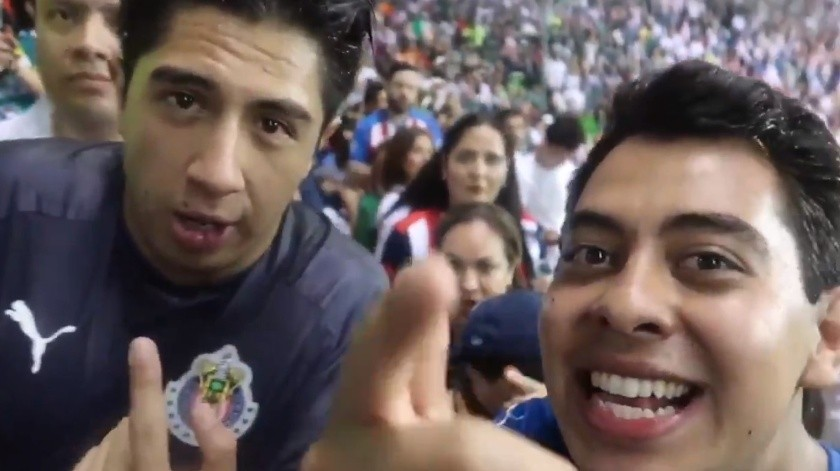 Iván Sfull y el comediante Daniel Sosa denunciaron en redes que fueron agredidos por la afición del Club León.