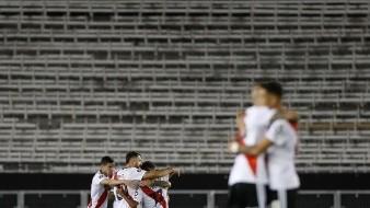 Muerte de José Luis Brown rasga playeras en futbol argentino