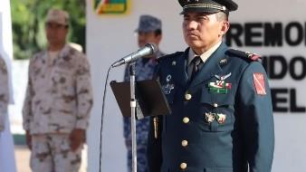Toma protesta comandante del 24 batallón