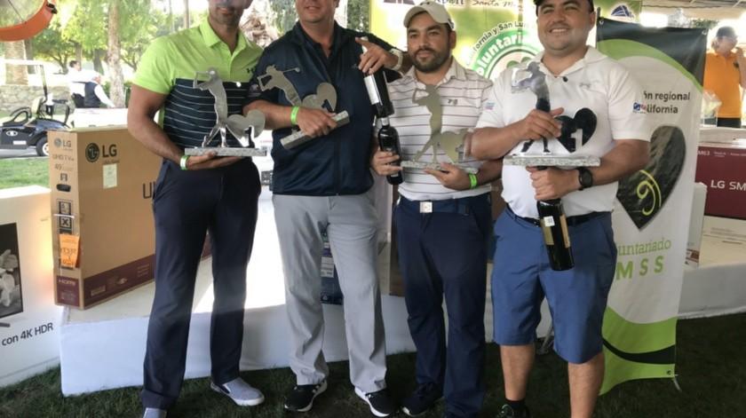 Ganadores del torneo de golf de Voluntariado del IMSS.(Johanna Mejía)