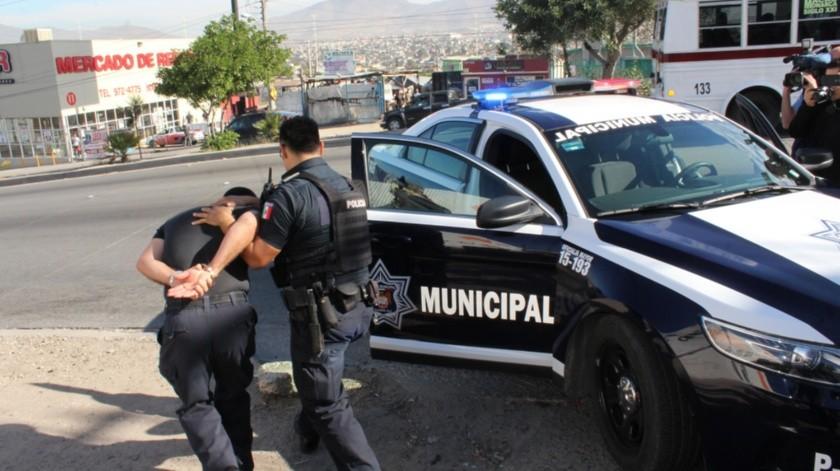 Los elementos están detenidos en Ensenada.