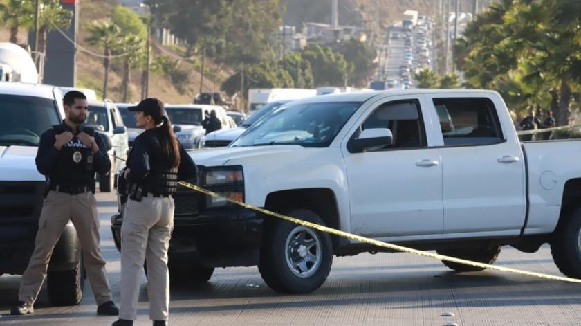 Los delincuentes portaban al menos nueve armas de alto poder.