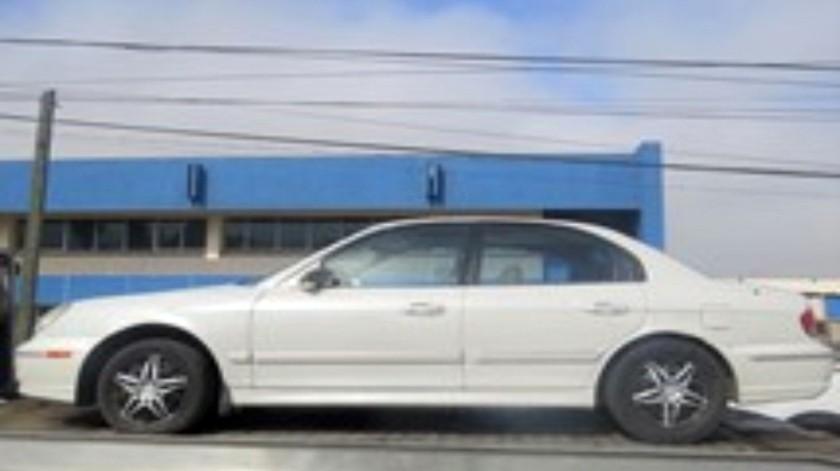 El automóvil recuperado es marca Hyundai Sonata, modelo 2003.(Cortesía)