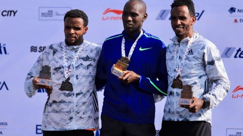 Duncan Maiyo dio el segundo récord más rápido en la historia del Maratón.(Twitter/@MaratonCDMX)