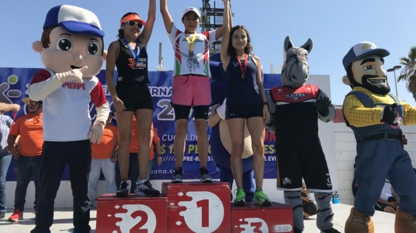 Andrea Jarillo, Selene Elenes y Patricia Méndez, ganadoras de los tres primeros lugares.(Johanna Mejía)