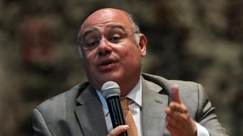 El presidente ejecutivo de la Fundación Mexicana para la Salud (Funsalud), Héctor Valle Mesto, durante su participación.(EFE)