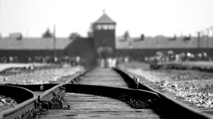 Cerca de un millón de judíos llegaron a Auschwitz, de los cuales sólo 230 mil sobrevivieron.(Pixabay)