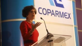 Denise Dresser dio una conferencia en el desayuno mensual de la Coparmex Tijuana.