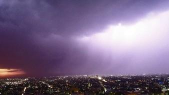 Cae fuerte lluvia en Hermosillo