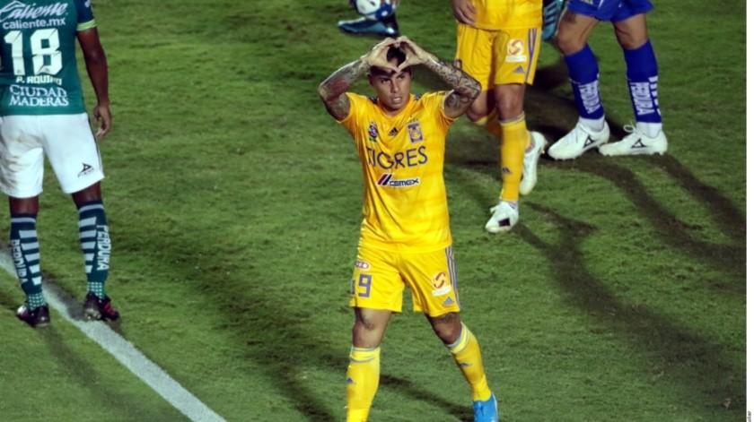 Fue Eduardo VArgas quien le dio el empate a los Tigres.(Agencia Reforma)