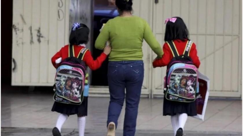 Este domingo es el último día de vacaciones para miles de estudiantes de nivel básico de Tijuana, después de que los sindicatos de los maestros retrasaran el inicio del ciclo escolar por la falta de pago de parte del Gobierno del Estado de Baja California.