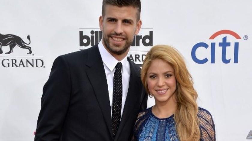 Shakira y Piqué captados en momento íntimo.