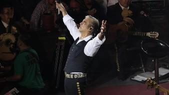 Alejandro Fernández refrendósu éxito al lograr llenar el Palenque de la Feria Tijuana 2019 por segundo día consecutivo la noche del pasado sábado 7 de septiembre de 2019 en la que se dejo ver coqueto y muy complaciente.