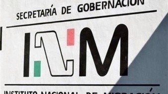 Evacuan oficinas del INM tras agresión de extranjeros