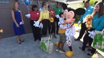 Un viaje gratis a Disney recibe niño que gastó ahorros en afectados por