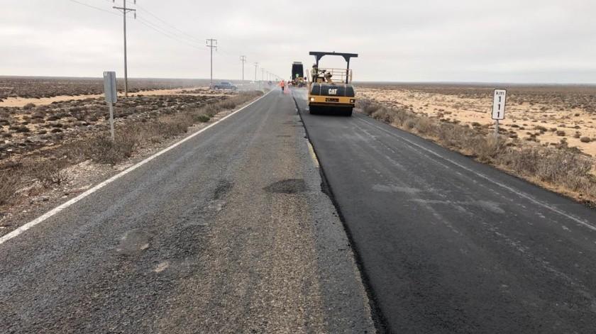La Secretaría de Comunicaciones y Transportes realiza trabajos de conservación en 113 kilómetros del tramo carretero Lázaro Cárdenas- Punta Prieta- Paralelo 28 de la Carretera Transpeninsular, esto como parte del programa nacional de conservación que implementa el gobierno federal.(Cortesía)