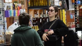 Además de tener una vida profesional bastante ocupada, Camila Sodi también se da el tiempo de convivir con sus hijos e inculcarles valores.