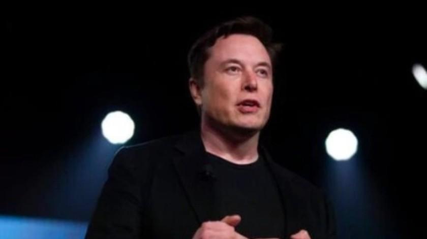 Musk reaviva el tema de la invasión en Área 51 publicando un meme matemático(AP)