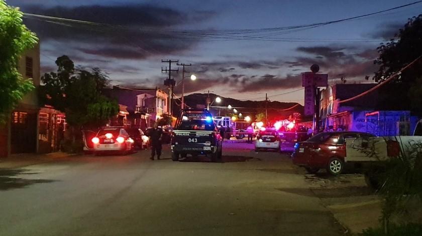 Explosión en casa habitación deja tres lesionados, en colonia Los Jardines. Lerdo de Tejada, entre López del Castillo y Leandro P. Gaxiola.(Jorge López)