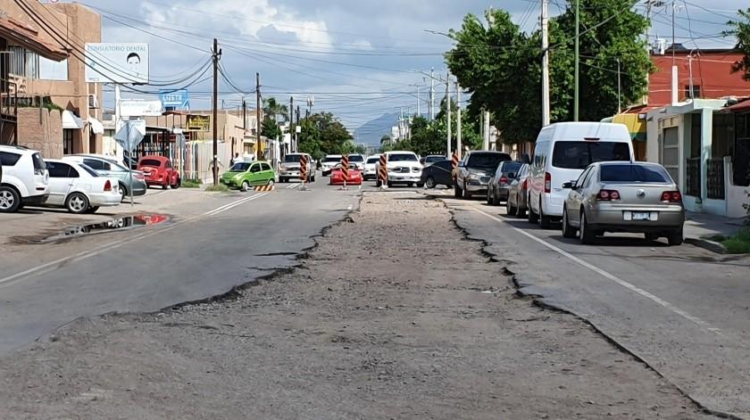 Por la calle Olivares y Minorca, Agua de Hermosillo sustituyó una tubería de 24 pulgadas.(Gamaliel González)