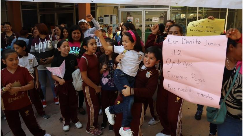 El Sistema Educativo Estatal (SEE) prevé que el martes 17 de septiembre inicien clases todas las escuelas del sistema federal y estatal, fecha en la que se cumplirían tres semanas de paro laboral en algunos planteles.