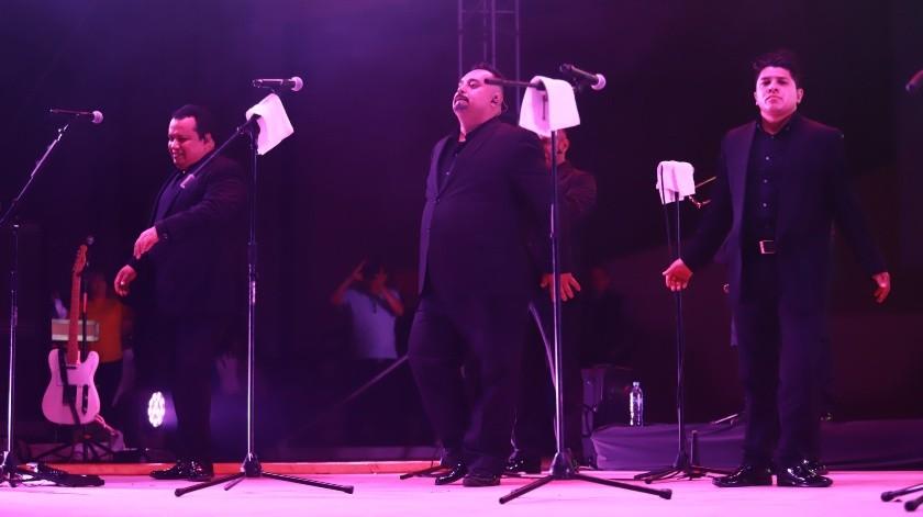 Los Ángeles Azules invadieron de cumbia y sabor el Teatro del Pueblo dentro de la FeriaTijuana la noche del pasado miércoles.(Gustavo Suárez)