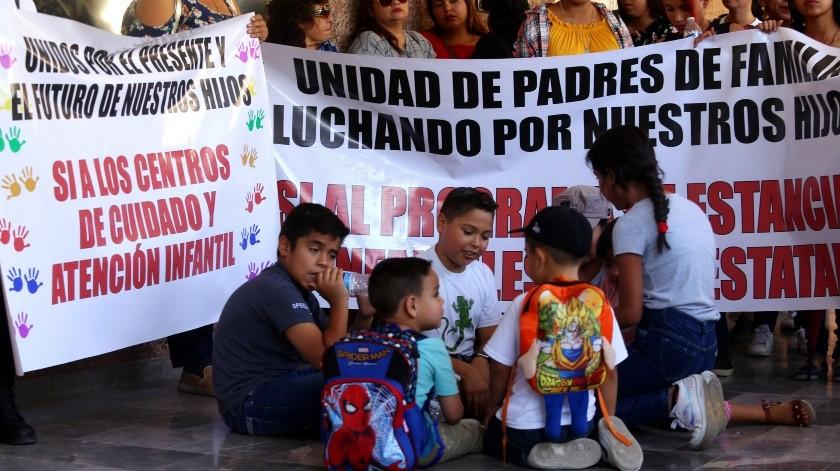 Afecta a 14 mil niños retiro de apoyo a guarderías(Alberto Rosales)