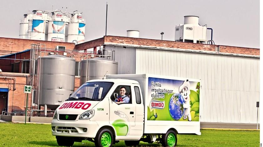 A través de su subsidiaria Moldex, Grupo Bimbo diseña, desarrolla y produce sus propios vehículos sustentables.(Agencia Reforma)