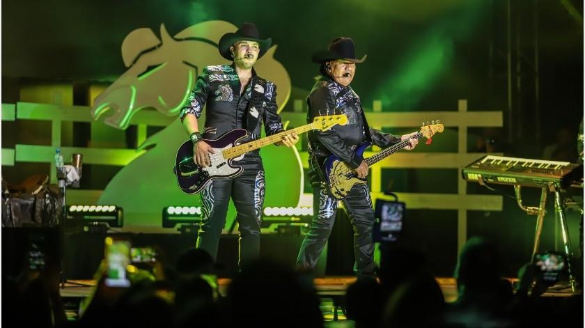 Bronco ofreció un recorrido musical por sus más de cuatro décadas de vida, donde el público tijuanense les ovacionó la noche de este jueves en la Feria Tijuana.(Gustavo Suárez)